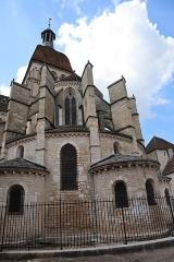 Eglise Notre-Dame et son presbytère - Extérieur de la basilique Notre-Dame de Beaune (21). Chevet.