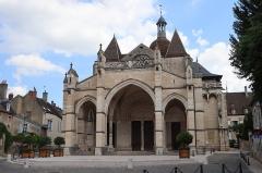 Eglise Notre-Dame et son presbytère - Porche de la basilique Notre-Dame de Beaune (21).
