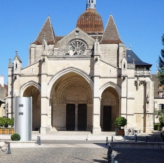 Eglise Notre-Dame et son presbytère - La Basilique Notre-Dame de Beaune Beaune Côte-d'Or Bourgogne-Franche-Comté