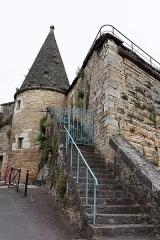 Fortifications - Français:   La tourelle de la grosse tour des anciens remparts de Beaune.
