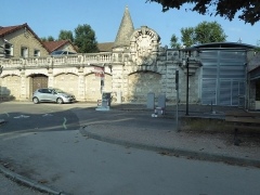 Fortifications - Français:  : La tour des Billes des anciennes fortifications de Beaune Côte-d\'Or Bourgogne-Franche-Comté