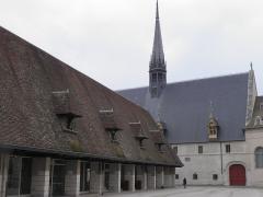 Hôtel-Dieu ou Hospices civils de Beaune - Français:   Halle et hospices de Beaune (Côte-d\'Or, France).