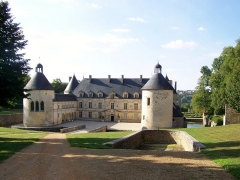 Domaine du château de Bussy-Rabutin - Façade avant