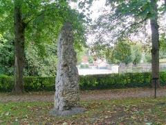 Menhir - Français:   Menhir de Châtillon-sur-Seine