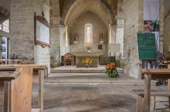 Eglise Saint-Cyr et Sainte-Julitte - English: Interior of Saint-Cyr-et-Sainte-Julitte church, Clamerey, France.