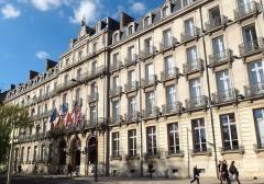 Hôtel de la Cloche - Français:   Hôtel de la Cloche, Rue de la Première-Armée-Française et Rue Devosge, Dijon
