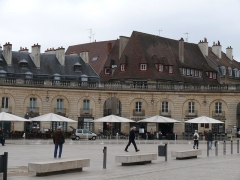 Immeuble dénommé ancien hôtel de Langres - English: Hôtel de Langres, at 10 place de la Libération in Dijon (Côte-d'Or, Bourgogne, France).