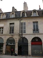Immeuble - English: Building at 88-86-84 rue de la Liberté in Dijon (Côte-d'Or, Bourgogne, France).