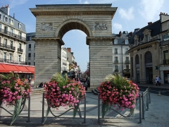 Porte Guillaume - English: Place Darcy in Dijon, France