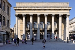 Théâtre - Français:   Grand Théâtre de Dijon, depuis le nouvel aménagement de la place du Théâtre. (Dijon, Côte d\'Or, Bourgogne, France)