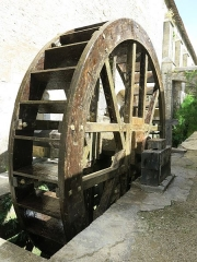 Abbaye de Fontenay - English: Fontenay Abbey - Water mill wheel of the Trip hammer in the forge (Côte d'Or, France).