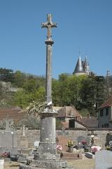 Croix du cimetière - Deutsch: Friedhofskreuz in La Rochepot im Département Côte-d'Or (Bourgogne-Franche-Comté/Frankreich)