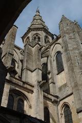 Eglise (collégiale) Notre-Dame - Français:   Eglise de Semur en Auxois