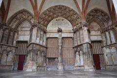 Eglise (collégiale) Notre-Dame - Porche occidental de la collégiale Notre-Dame de Semur-en-Auxois (21).