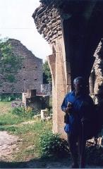 Collégiale de Thil (ruines) - English: La Collégiale de Thil en 1989, detail