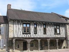 Maison - English: The Maison aux piliers (=House of pillars) in Vitteaux (Côte d'Or, France).