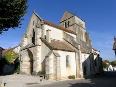 Eglise - English: Sight of Saint-Cyr-et-Sainte-Julitte church of Volnay, in Côte-d'Or, France.