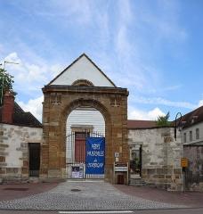 Ancienne abbaye bénédictine Saint-Léonard - Français:   Abbaye Saint-Léonard de Corbigny (58).