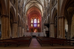 Cathédrale Saint-Cyr et Sainte-Julitte - English:  Gothic Cathedral nave. built after the fire of the Romanesque cathedral whose transept was raised-up to do the junction between the two buildings. Under constructions.