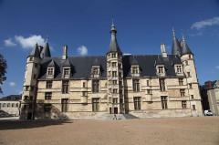Palais Ducal - Français:   Palais ducal _ Nevers _ Nièvre _ France