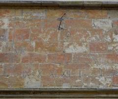 Palais Ducal - Palais ducal de Nevers (58). Cadran solaire.