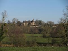 Château des Bordes - Français:   Le château des Bordes, depuis le bourg d\'Urzy, Nièvre, France.