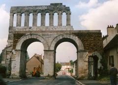 Porte d'Arroux - English: Autun (Yonne) Porte d'Arroux en 1989