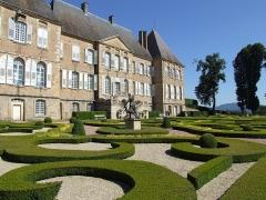 Château de Drée - English: The Parterre garden at Château de Drée, Saone et Loire, Bourgogne-Burgundy, France.