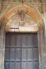 Eglise -  Porte de l'église de Loché (71)