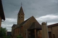 Eglise -  Vue extérieure de l'église de Loché (71)