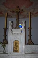 Eglise -  Autel de l'église de Loché (71)