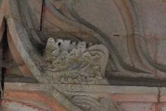 Eglise -  Détail du tympan de la porte de l'église de Loché (71)