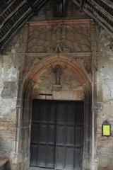 Eglise -  Tympan de la porte de l'église de Loché (71)