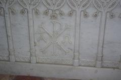 Eglise -  Détail de l'autel de l'église de Loché (71)