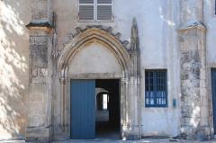 Couvent des Cordeliers  ou ancienne gendarmerie - Français:   Couvent des Cordeliers, place des Cordeliers, à Mâcon (France). Inscrit aux monuments historiques en 1929.