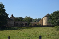Château - This building is indexed in the Base Mérimée, a database of architectural heritage maintained by the French Ministry of Culture,under the reference PA00113446 .