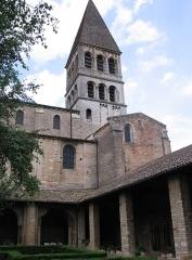 Ancienne abbaye Saint-Philibert - Clocher et cloître