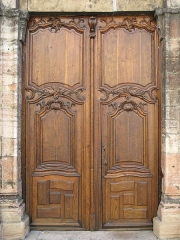 Eglise de la Madeleine - English: Entrance door of the church Sainte-Madeleine in Tournus (Saône-et-Loire, France).