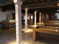 Hôtel Dieu - English: Collections hall of the Hôtel-Dieu in Tournus (Saône-et-Loire, France).