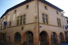 Maison -  Façade de l'Hôtel Jean Magnon à Tournus (Saône-et-Loire, France)