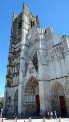Eglise Saint-Pierre ou Saint-Père - Français:   Cathédrale Saint-Etienne d\'Auxerre