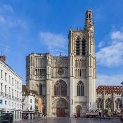 Cathédrale Saint-Etienne - Deutsch: Kathedrale Saint-Ètienne, Sens