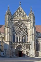 Cathédrale Saint-Etienne - Transept sud de la cathédrale de Sens, Yonne, Bourgogne, France