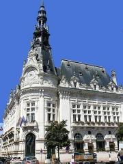Hôtel de ville - Français:   hôtel de ville de Sens