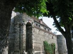 Rempart gallo-romain - Français:   Remparts de la poterne à Sens (Yonne).