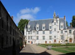 Ancien palais épiscopal, ancien palais de justice, actuellement musée départemental de l'Oise - English: Beauvais, the bishop palace