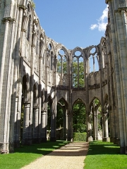 Eglise - English: Church ruins of the Cistercian Abbey of Our Lady in Ourscamp, Oise department of France.