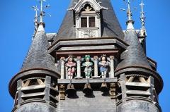 Hôtel de ville - Français:   Flandrin, l\'Anglois et Lansquenet - Les trois jacquemarts de l\'hôtel de ville de Compiègne (Oise, France).