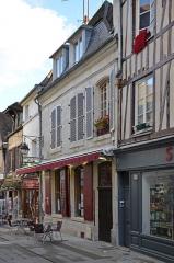 Maison - Français:   Maison du 18ème siècle 6 rue des Lombards à Compiègne, Oise, Picardie, France