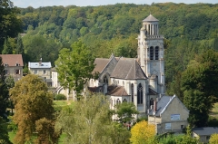 Eglise - English: Pierrefonds Saint-Sulpice church, Oise, France. View from the castle.
